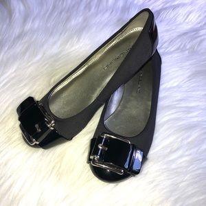 Black women's  shoes size 6.5